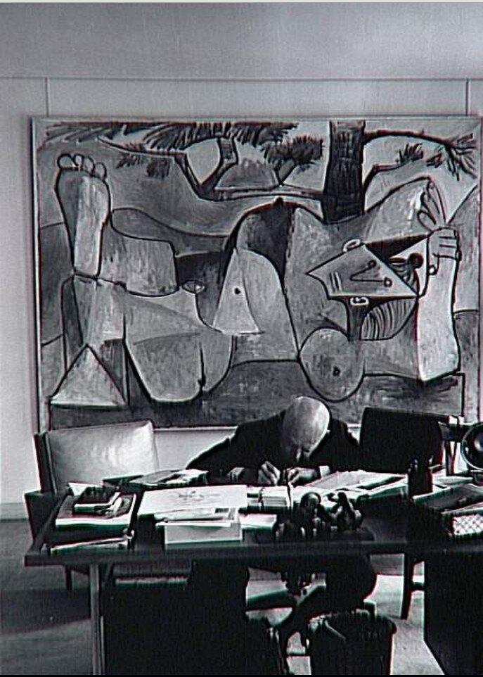 1962. Канвейлер в своем кабинете, перед картиной Пикассо. Улица Монсо