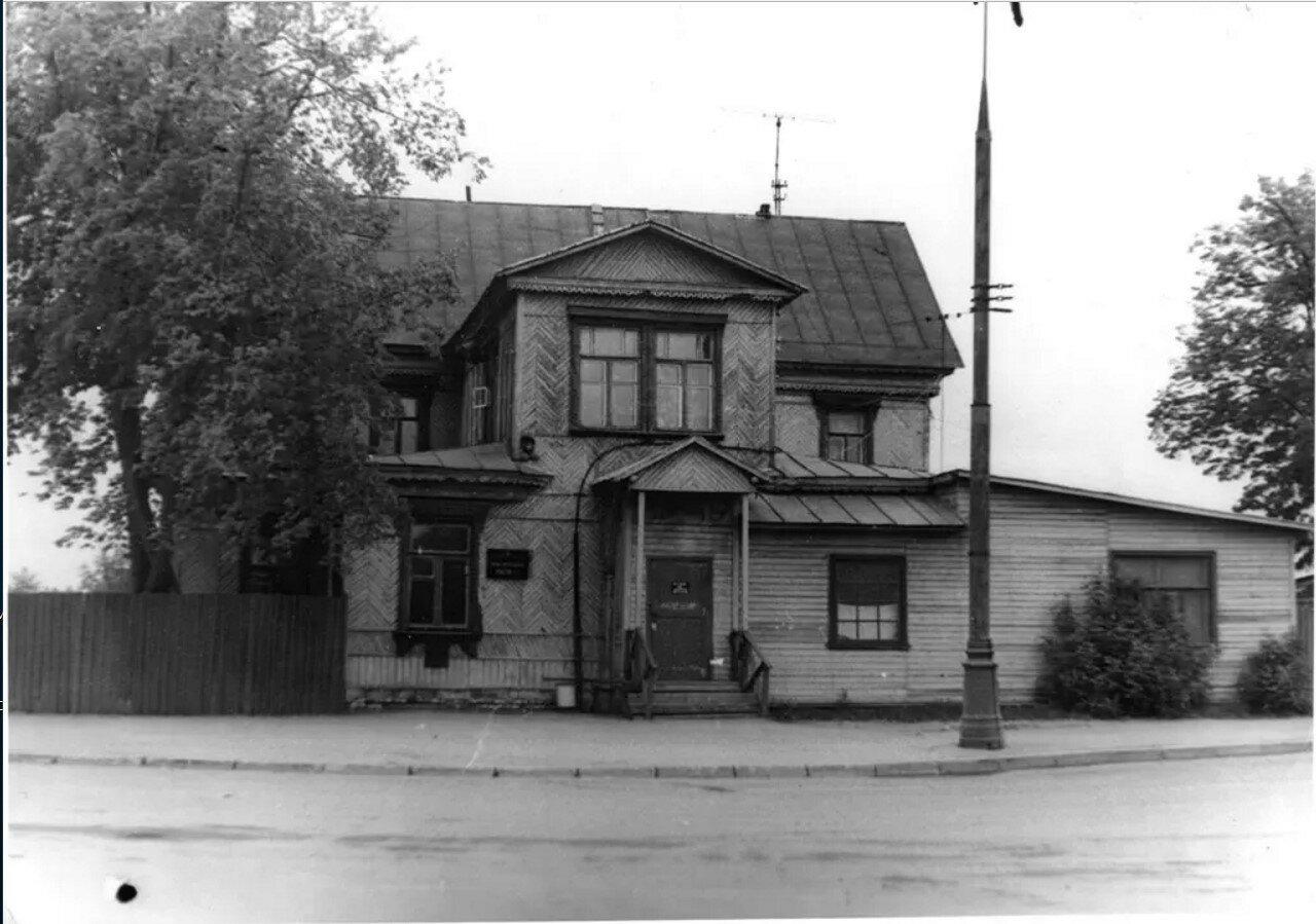 1966. Новогиреевcкая поликлиника