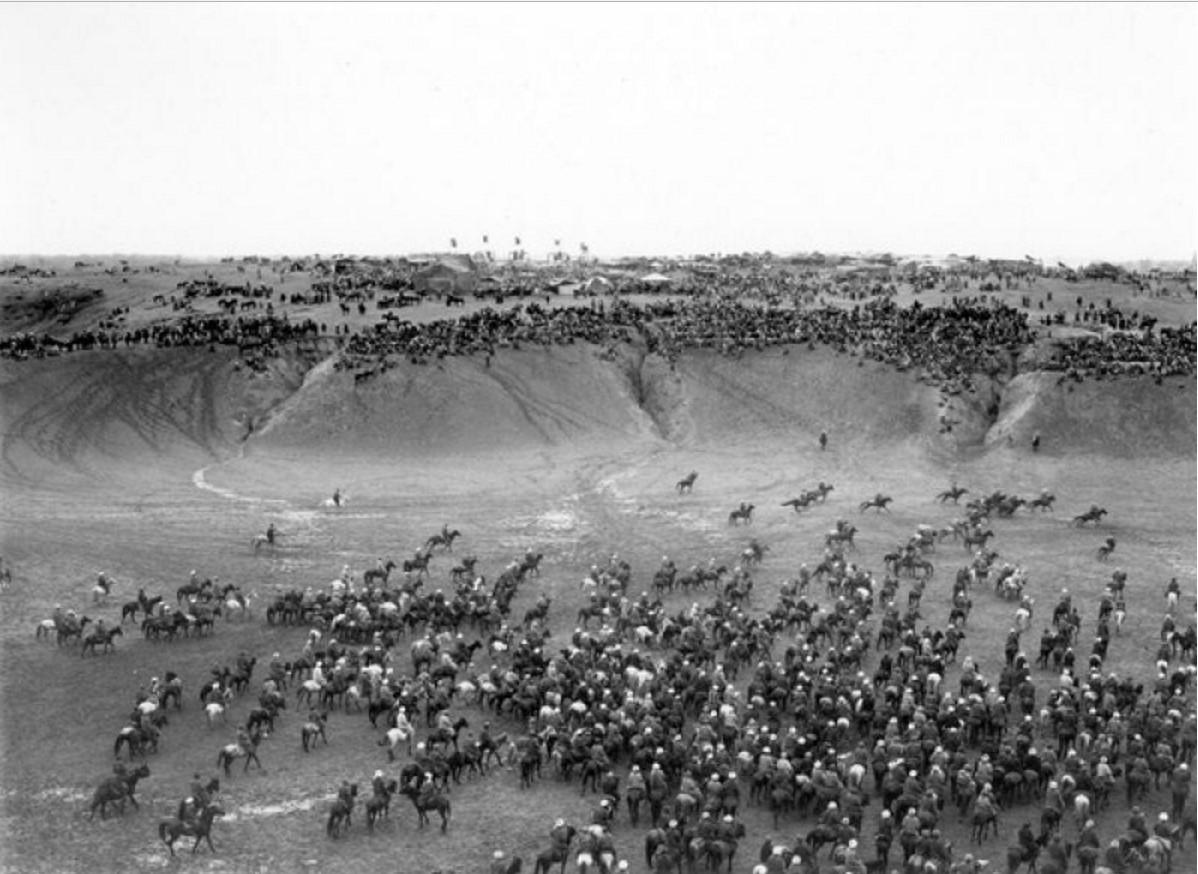Саиль (Новый Год). Кок-Бури (драние козла, народные скачки), в урочище Афрасиаб