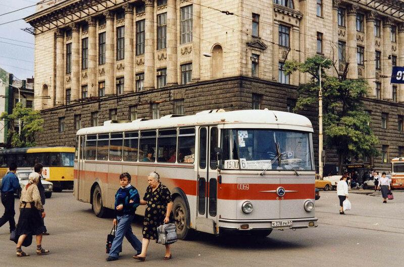 1996 Ростов-на-Дону Ааре Оландер автобус Saurer Центральный рынок.jpg