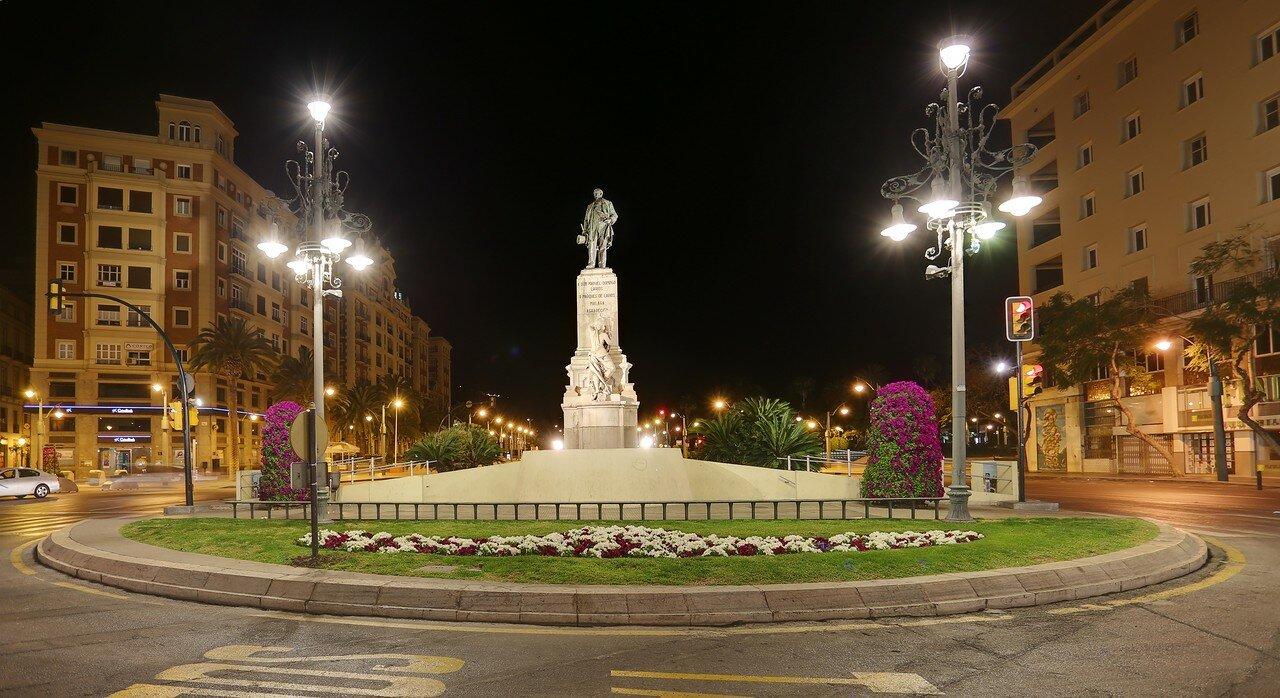 Ночная Малага. Аламеда. Площадь Маркиза-де-Лариоса