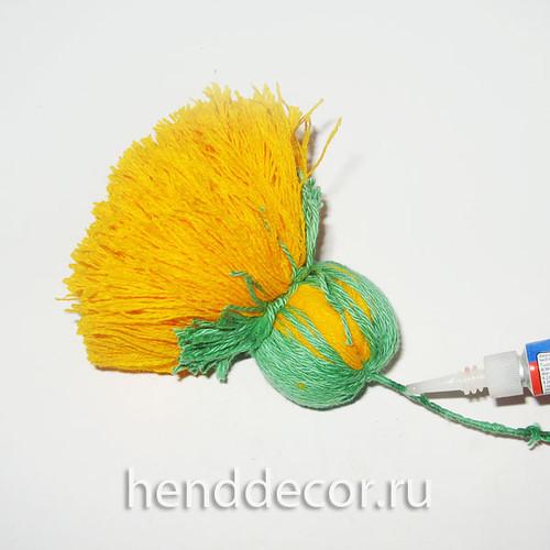 Одуванчики из ниток