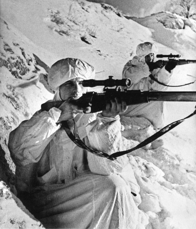 Снайперы Ленинградского фронта Гузенко и Филимонов. 42.jpg