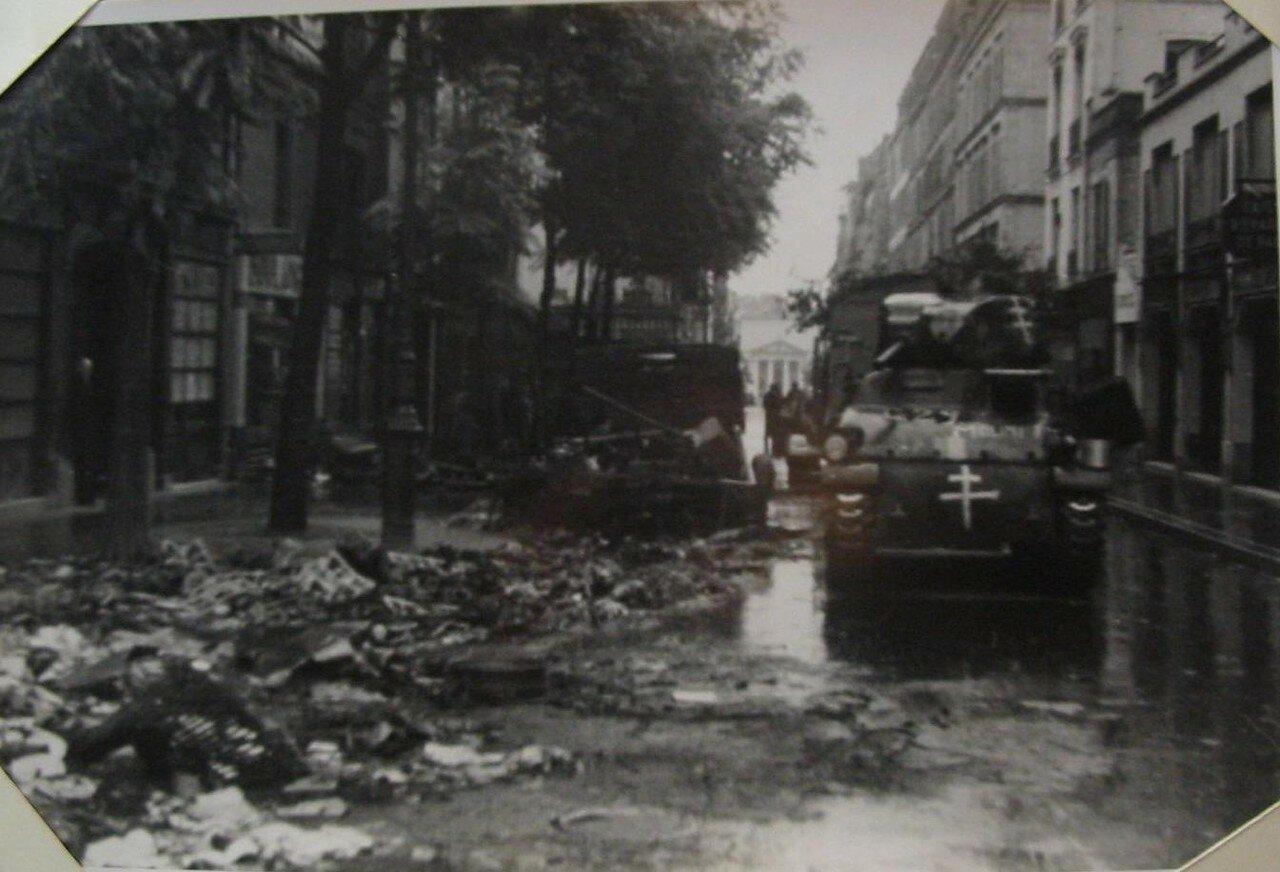 23 августа. Перестрелка на площади Батиньоль