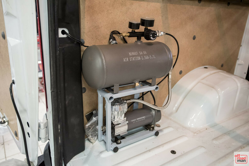 Пневмосистема Беркут SA-06 на Соболь 4х4 CaravanExpedition