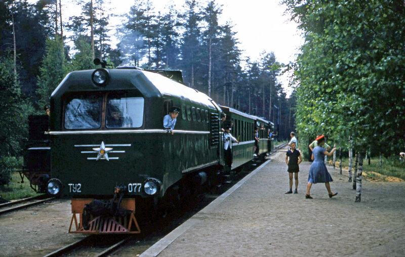 Рижская ДЖД. ТУ2-077 в заводской покраске. 1957-58.  Thomas F. Hammond.jpg