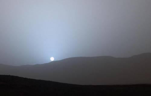 """Закат Солнца на Марсе: """"Один из самых магических снимков в истории человечества"""", - блогер"""