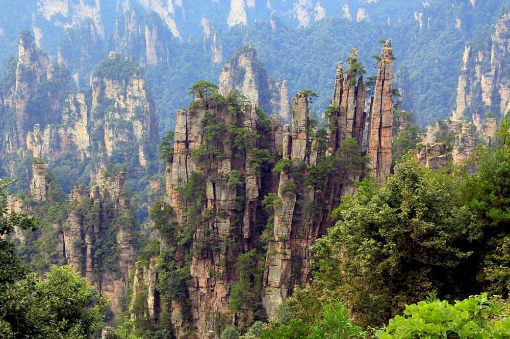 © forum  Национальный парк Чжанцзяцзе раскинулся вгорах Улинъюань наюго-востоке Китая, впро