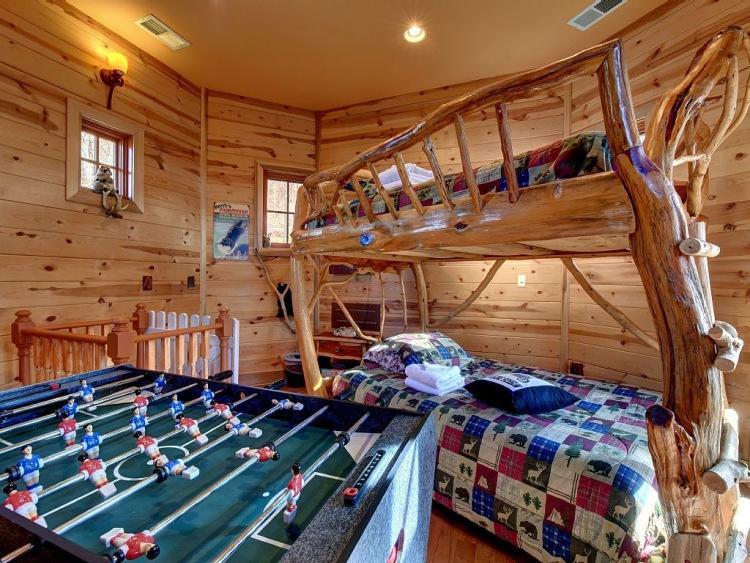 15. Такая детская комната является мечтой любого ребенка. Попав сюда, создается впечатление, что нах