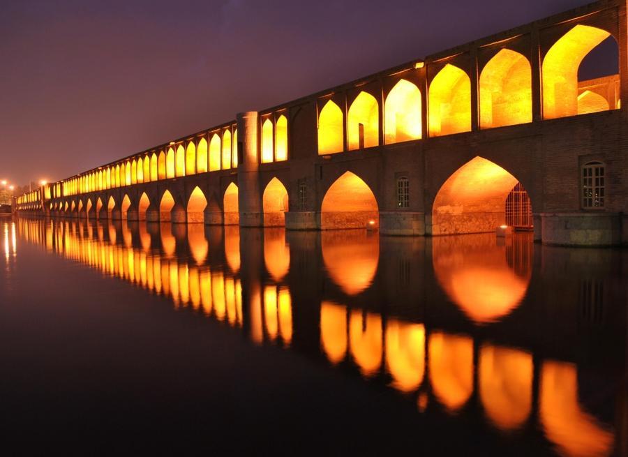 6. Мост Си-о-Се Поль, Иран