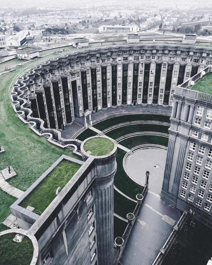 Дворец инопланетных императоров? Министерство магии? Казанский собор из будущего в новой версии SimC