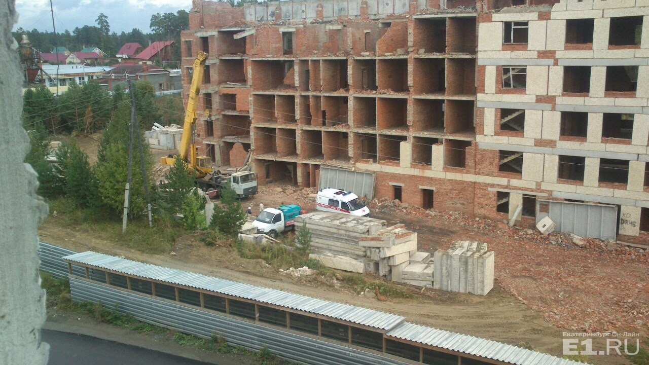 Один человек пострадал при обрушении перекрытия недостроенного дома вСвердловской области
