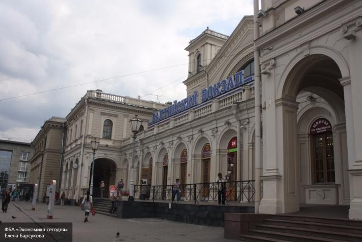 Полицейские проверяли Балтийский вокзал неменее часа