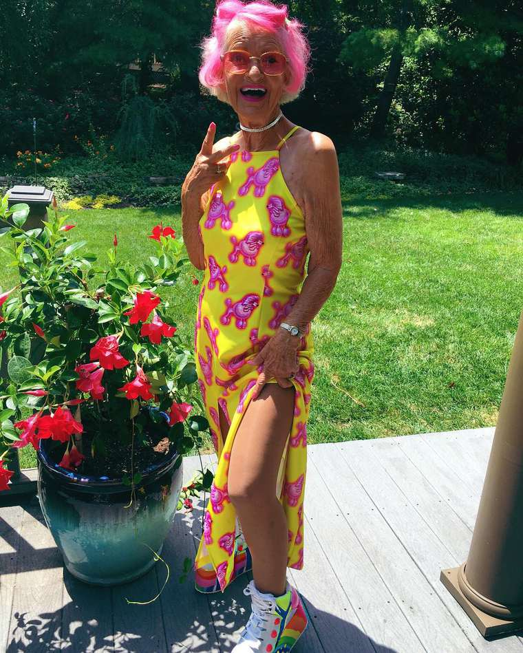 Baddie Winkle - The most explosive granny on the Internet