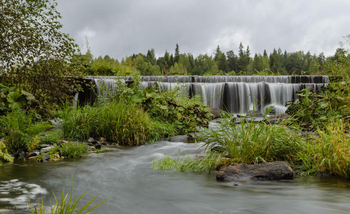 """Фото 4. Эффект действия нейтрального фильтра ND-4. Вода превращается в """"молочную реку"""". Плотина на Смородинском водохранилище. Снято со штатива. Параметры камеры Nikon D5100 KIT 18-55 VR: В=1/1.7 секунды, f/32.0, 34, ISO 100."""