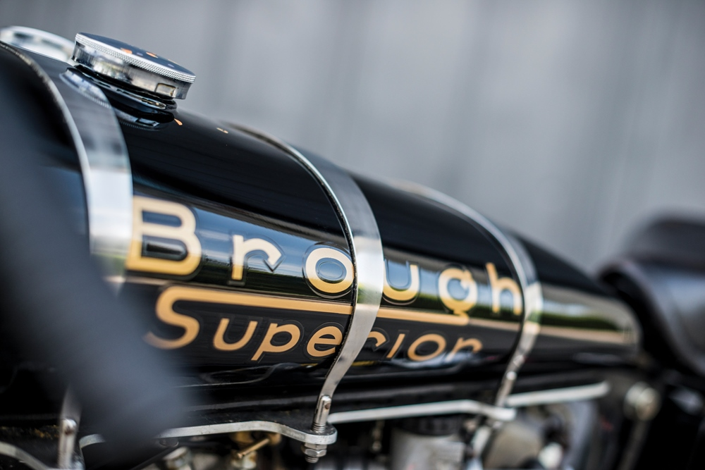 Мотоцикл-рекордсмен Brough Superior Baby Pendine продадут с аукциона