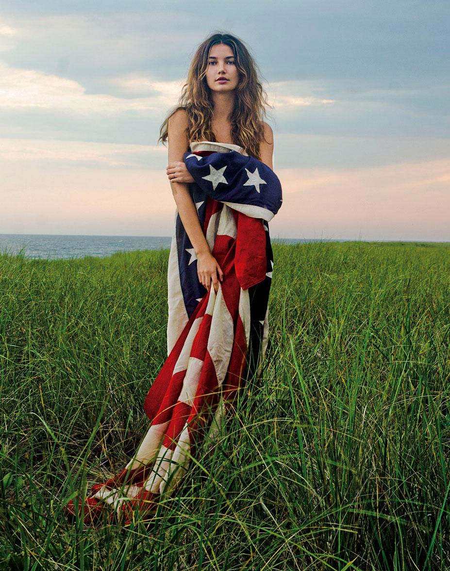 Знаменитые девушки в американском флаге - Lily Aldridge
