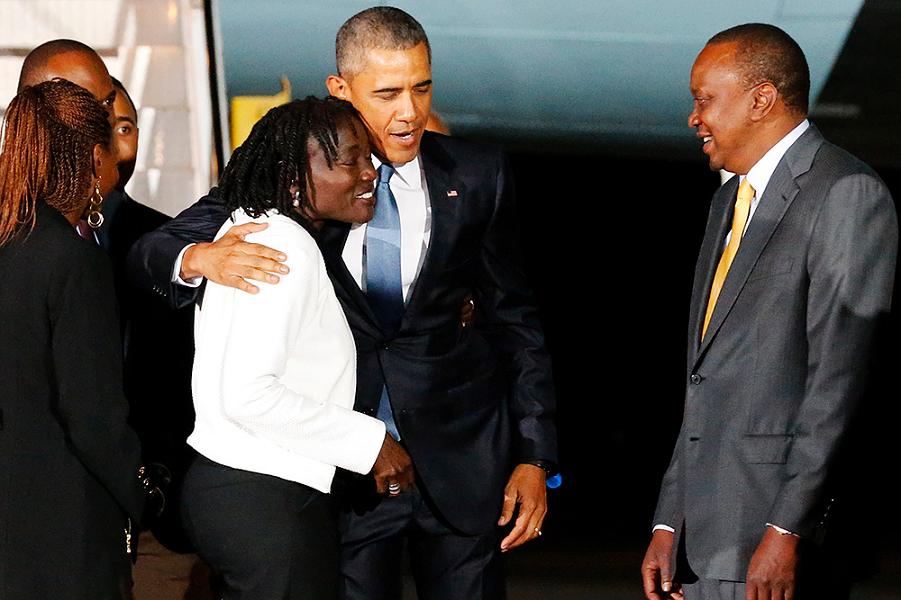 В аэропорту с сестрой и президентом Кении.png
