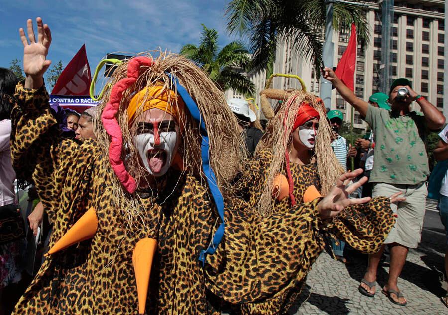 Голый марш за права женщин в Рио-де-Жанейро