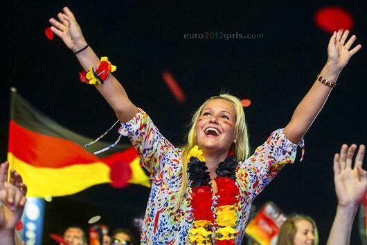 Девушки-болельщицы Евро 2012
