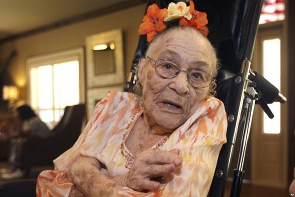 С 1 апреля самой старой женщиной планеты стала 116 летняя Гертруда Уивер 0 126645 aa4e5d1f orig