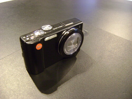 Камера Leica V-LUX 30