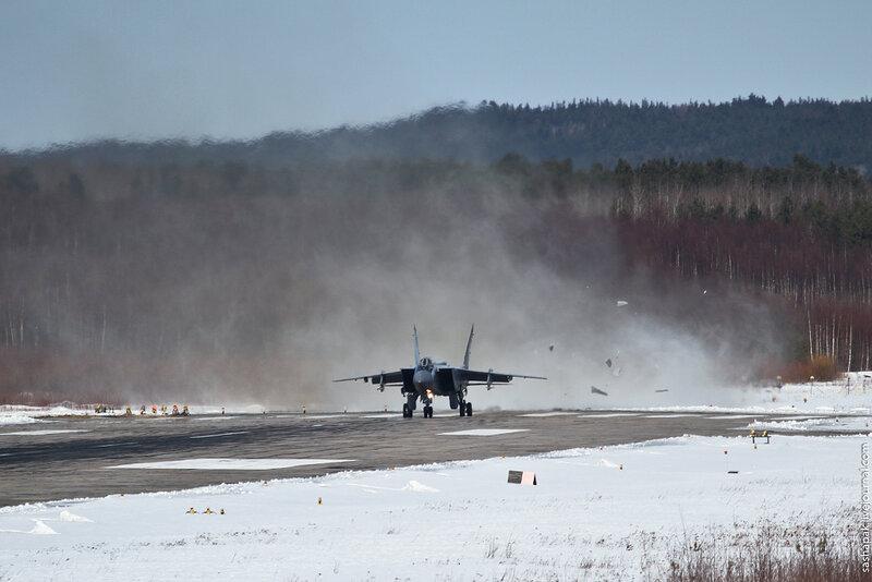 Двухместный сверхзвуковой истребитель-перехватчик МиГ-31
