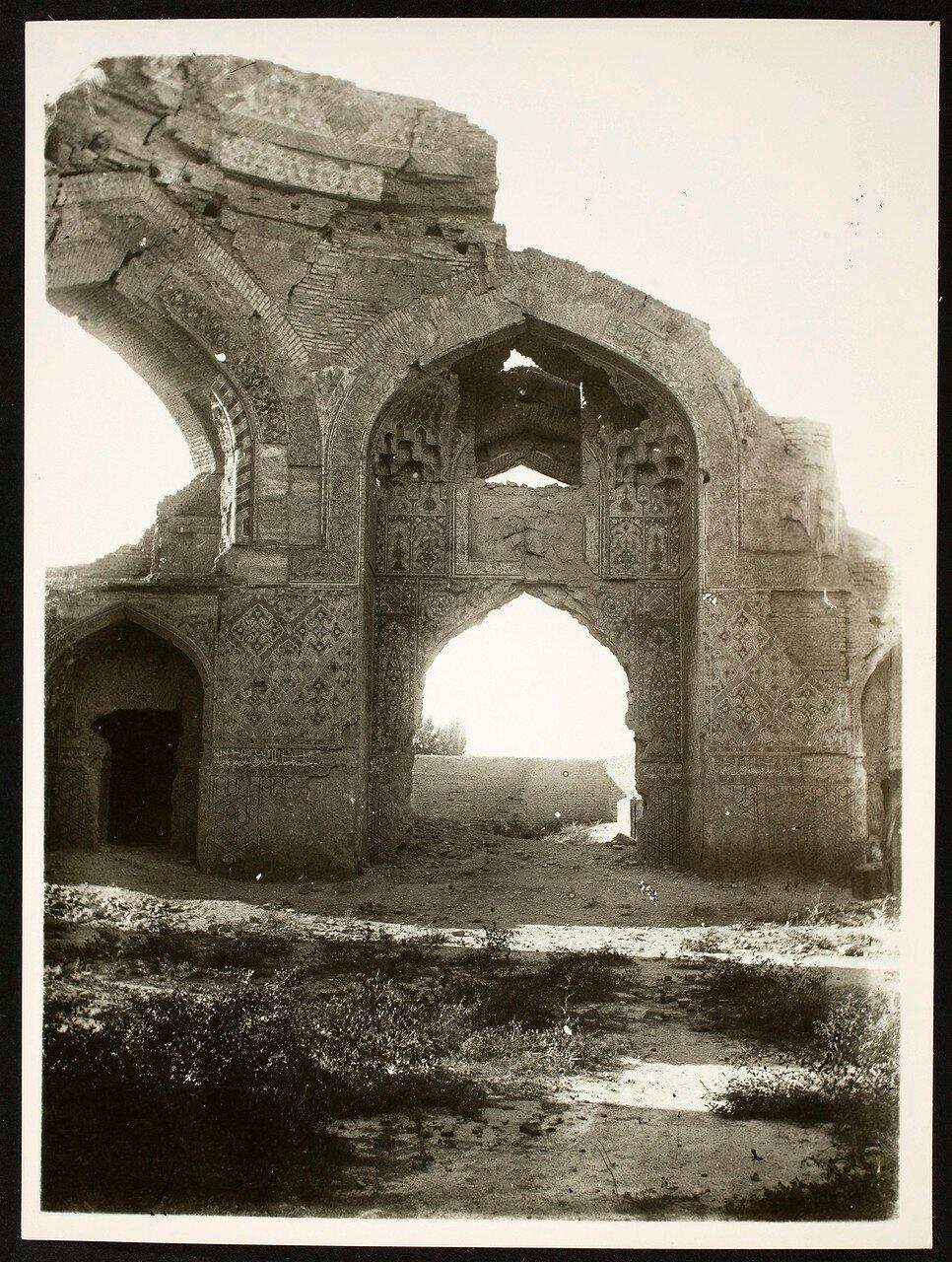 Тебриз. Голубая мечеть. Внутренний вид малого куполообразного Святилища