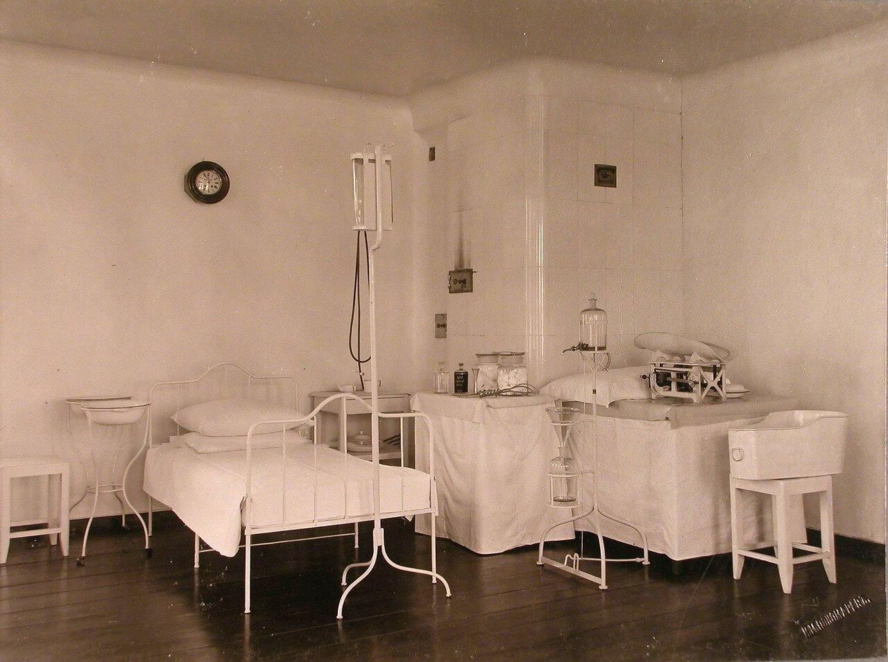 29. Вид одной из палат в акушерско-гинекологическом отделении больницы