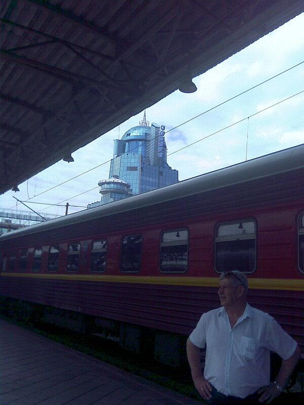 Фирменный поезд Мск- Челябинск в Самаре