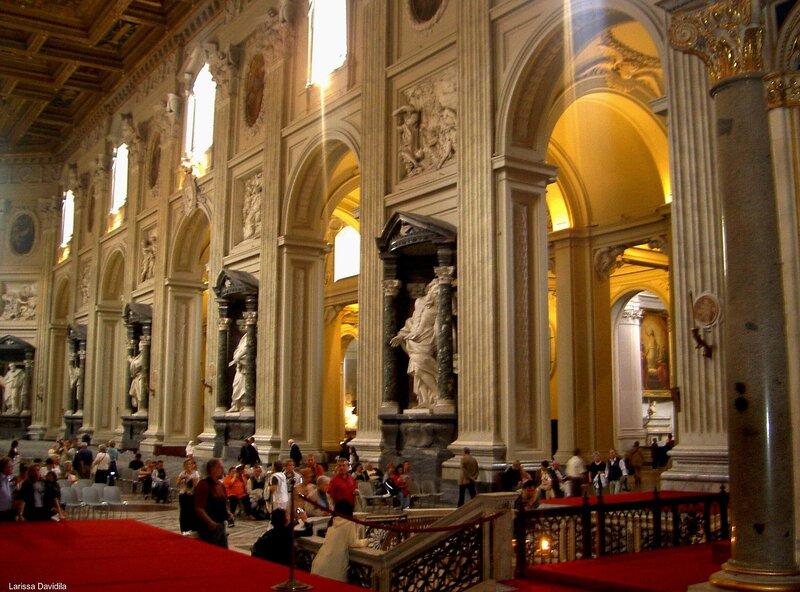 Интерьер Латеранского собора.