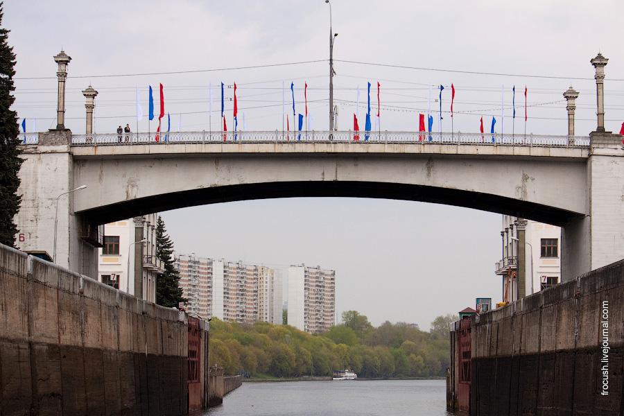 Карамышевский мост, камера шлюза №9 канала им.Москвы, корпуса домов №2 Карамышевской набережной
