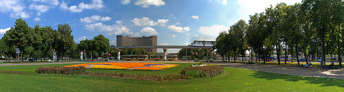 Москва. ВНДХ. Гостиница Космос. Монорельс. Панорама, смотреть в полном размере