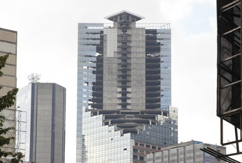 60-этажного офисный небоскрёб в городе Каракасе (Венесуэла)