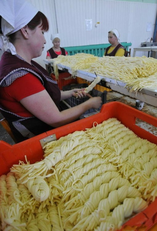 Как в Хакасии производится сыр сулугуни