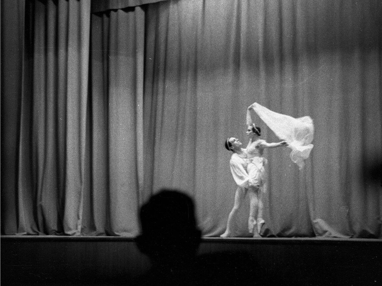 26. Артисты балета на сцене