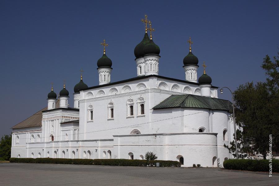 Собор Троицы Живоначальной в бывшем Троицком монастыре