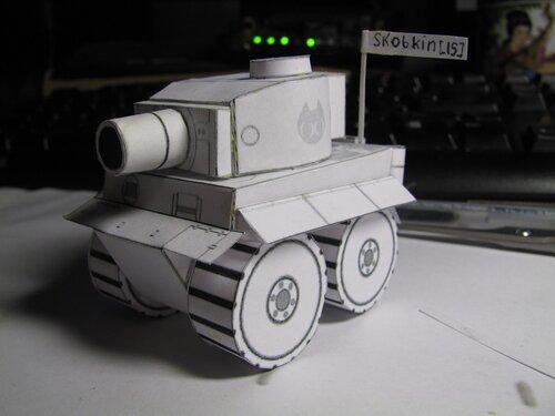 Iron Squad. схемку сборки танка я решил, что обязательно его сделаю.  И я его сделал. и, слегка, танками...