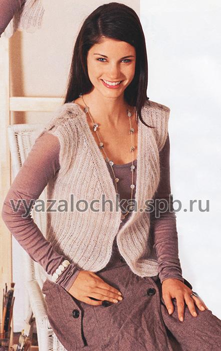 Вязаный женский жилет спицами