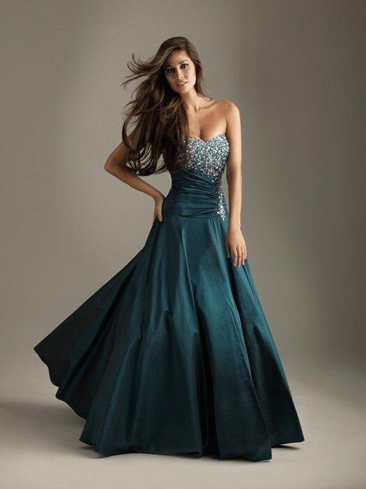 Вечерние и выпускные платья Night Moves 2011.