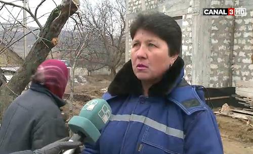 Глава молдавского села доказывает правоту - рукоприкладством
