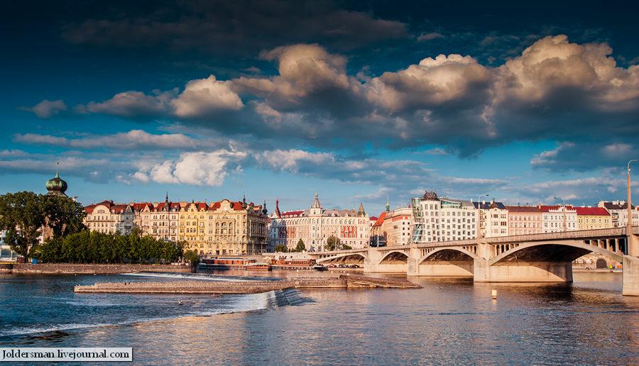 Прага вид на город с воды
