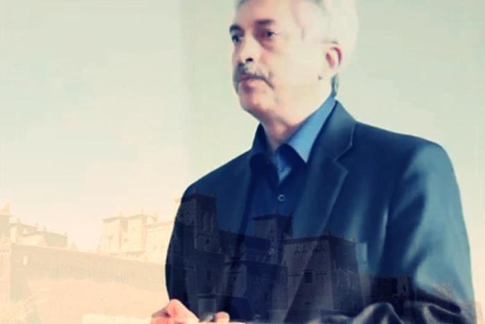 Видео: Роман Любарский читает стихи о «девах Танжера»