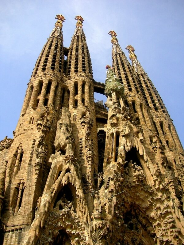 Антонио Гауди - гениальный архитектор, великий модернист 0_7cb68_6636ff59_XL
