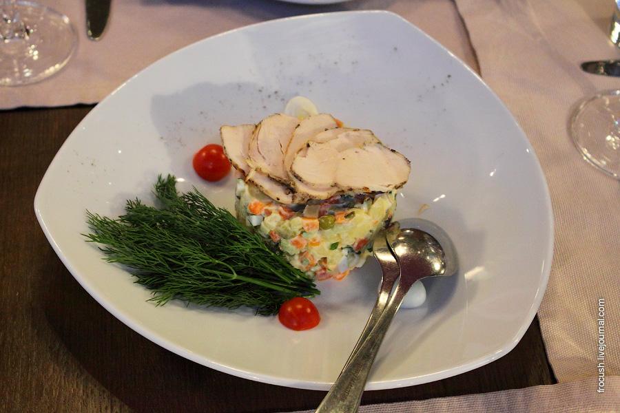 Салат «Оливье» с куриным филе