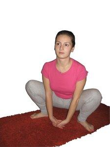 Уттханасана (приседание на корточки)