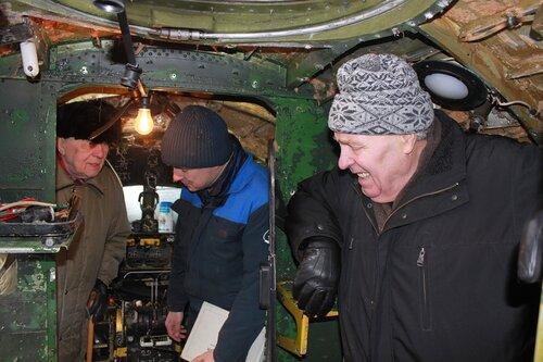 Ветераны осматривают Ил-14Т