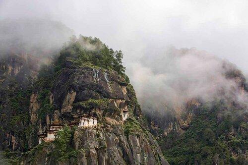 Монастырь Гнездо тигрицы