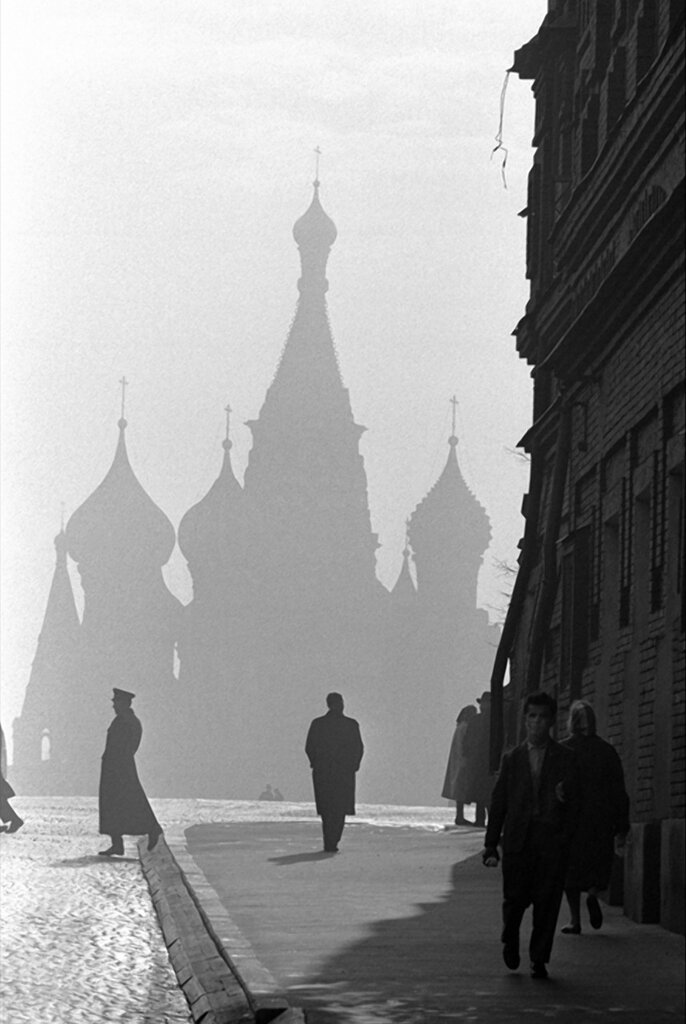 Burt GlinnSaint Basil's Cathedral on Red Square.Moscow, Russia, 196