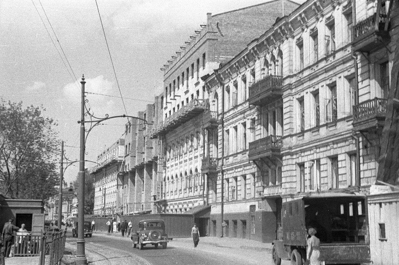 58. Уличная сцена